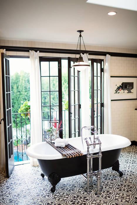 Drummonds Case Study: Loz Feliz Retreat, California Baños de estilo mediterráneo de Drummonds Bathrooms Mediterráneo