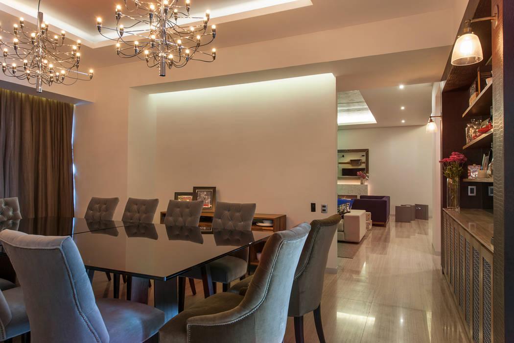 Departamento GC: Comedores de estilo  por kababie arquitectos