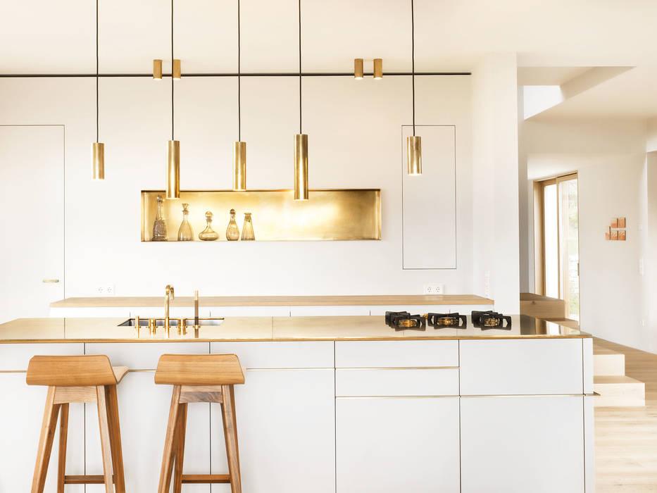Modern kitchen by Spandri Wiedemann Architekten Modern Copper/Bronze/Brass