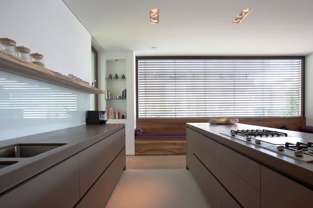 Kitchen by DG/D Architekten
