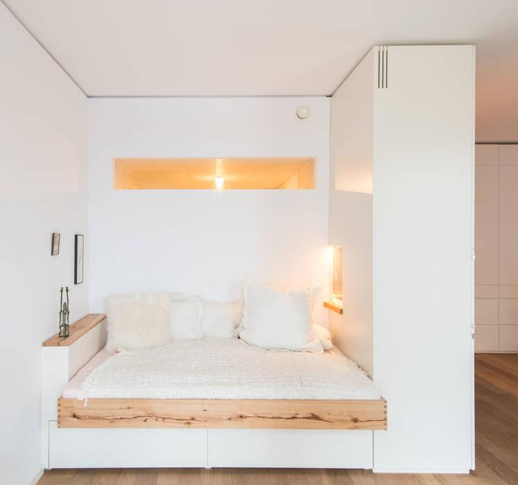 Modern style bedroom by Holzgeschichten Modern