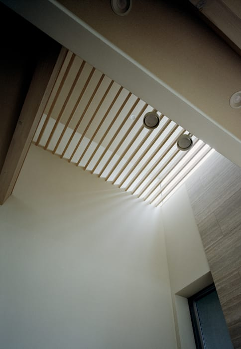 Vector(ベクトル): 和泉屋勘兵衛建築デザイン室が手掛けたリビングです。,