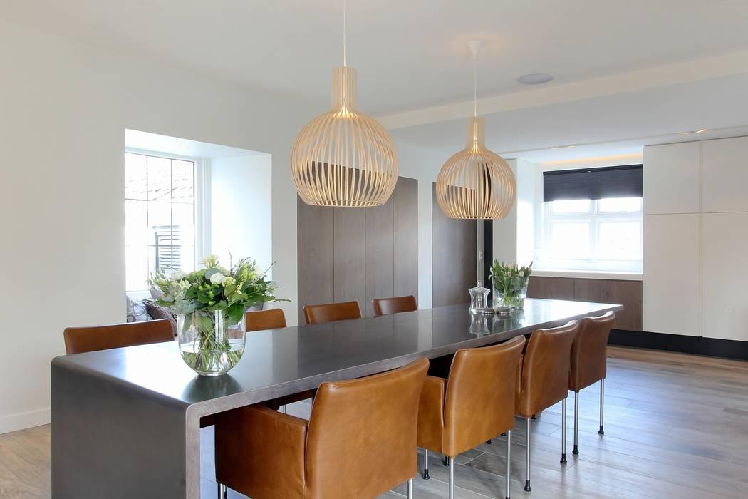 Eettafel Moderne eetkamers van Leonardus interieurarchitect Modern
