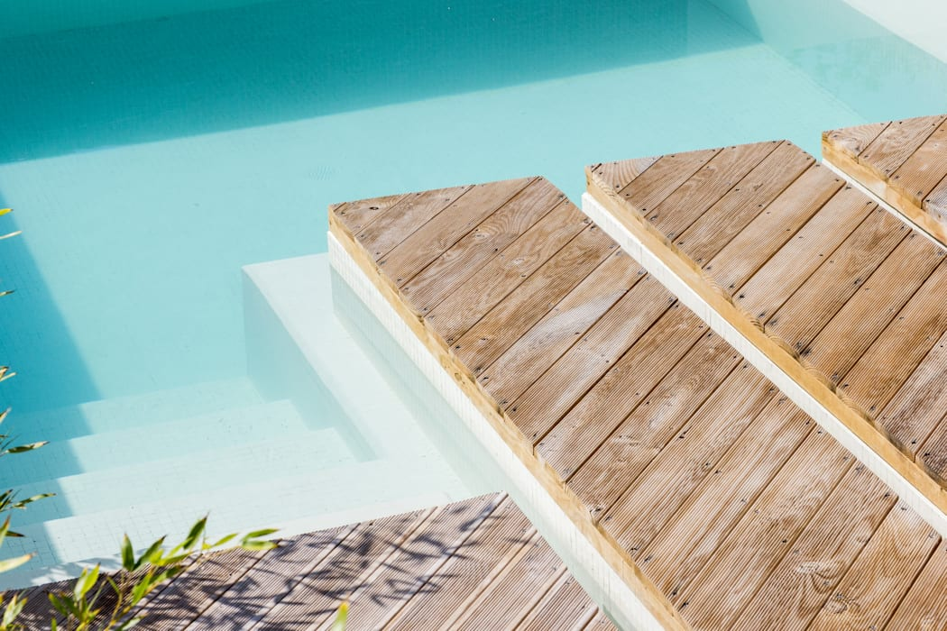 SilverWoodHouse Modern pool by Joao Morgado - Architectural Photography Modern