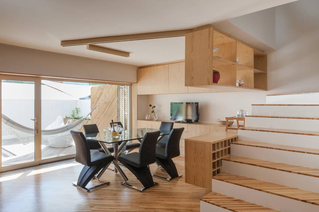SilverWoodHouse 根據 Joao Morgado - Architectural Photography 現代風