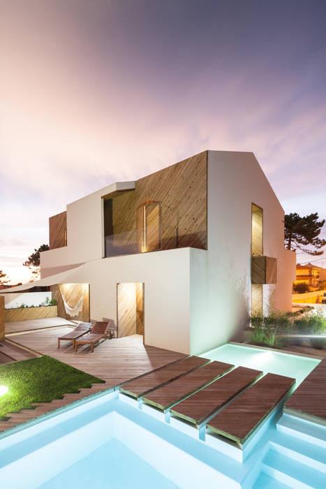 SilverWoodHouse โดย Joao Morgado - Architectural Photography โมเดิร์น