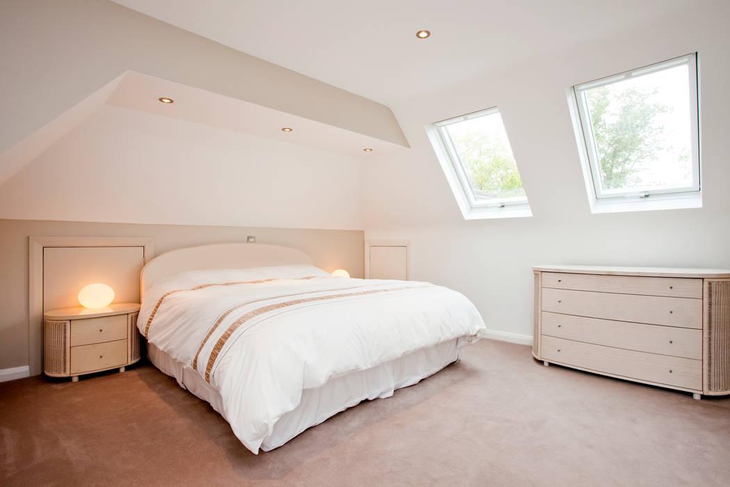 Chambre de style  par A1 Lofts and Extensions