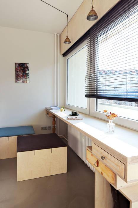 Window-desk homify Eclectic style bedroom