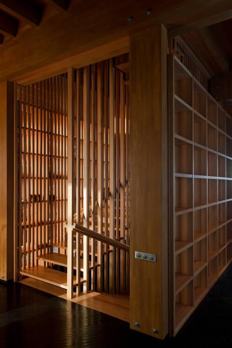 Название Eclectic style corridor, hallway & stairs