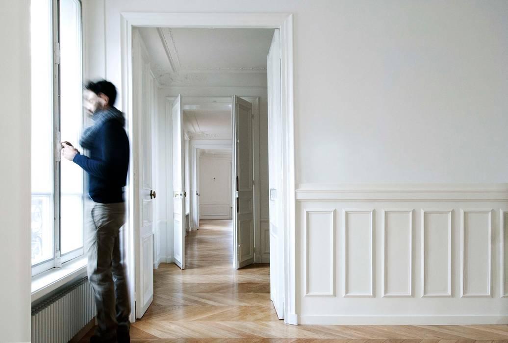 Appartement Marceau Paris: Chambre de style de style Classique par NMA architecture