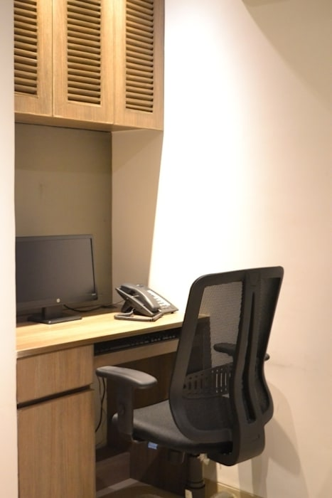 reception area: modern  by mold design studio,Modern