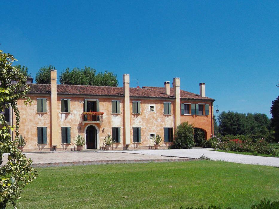 RISTRUTTURAZIONE E AMPLIAMENTO DI EDIFICO RESIDENZIALE A BARBONA (PD) Studio Rossettini Casa rurale