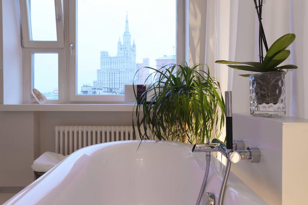 Высотка.: Ванные комнаты в . Автор – Double Room