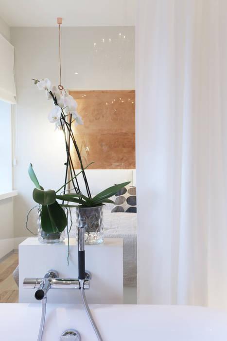 Блики. Double Room Ванная комната в скандинавском стиле