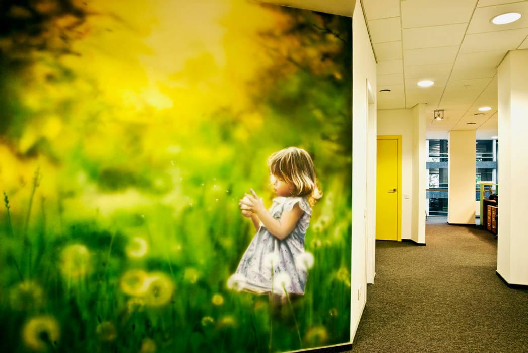 Роспись в холле офиса: Офисные помещения в . Автор – 16dots,