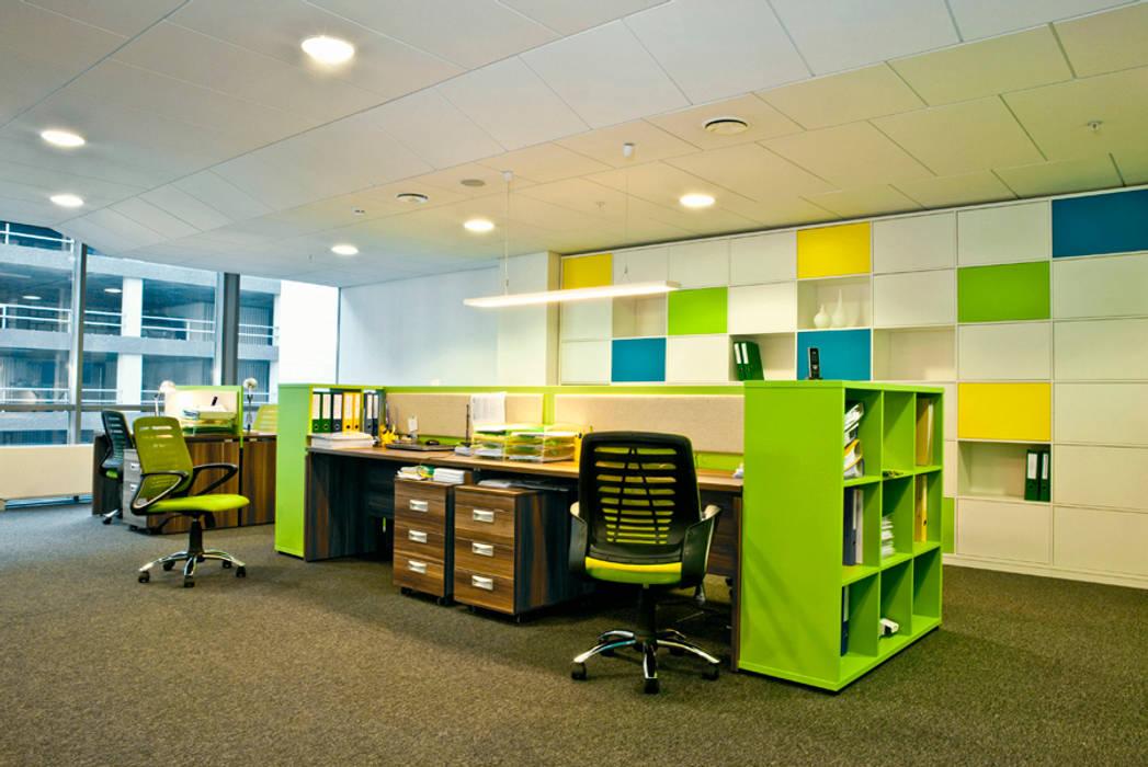 Рабочие места Офисы и магазины в стиле минимализм от 16dots Минимализм
