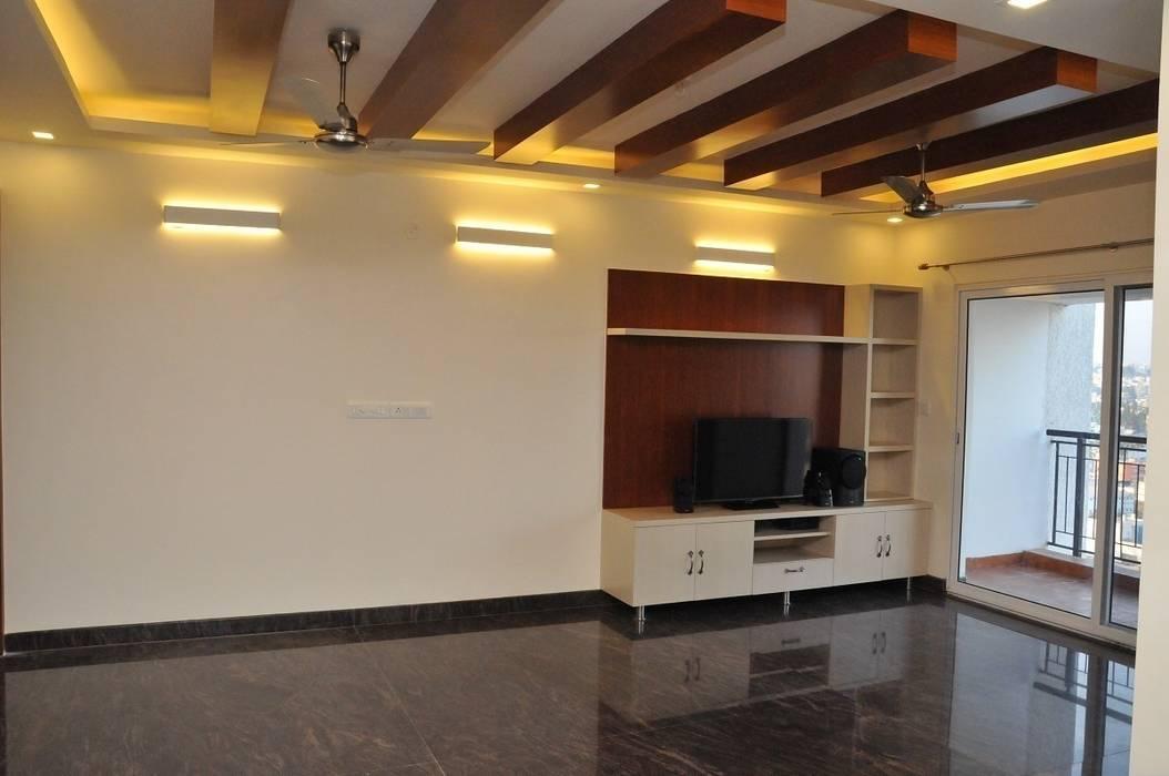 Living room Design:  Living room by Arka Interio