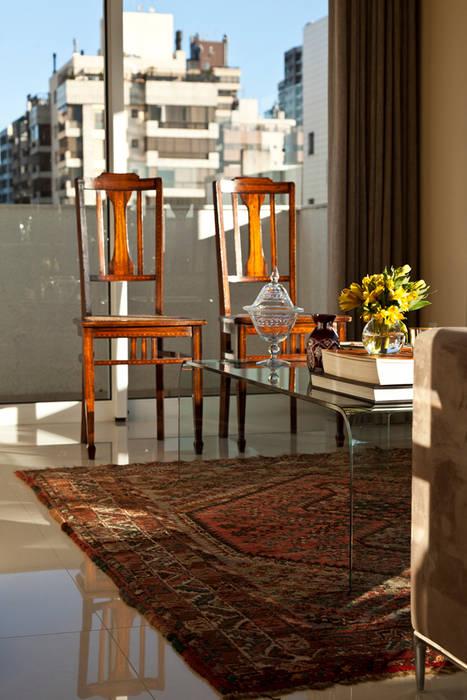 Salon moderne par Mariana M Simoes arquitetura conceitual Moderne