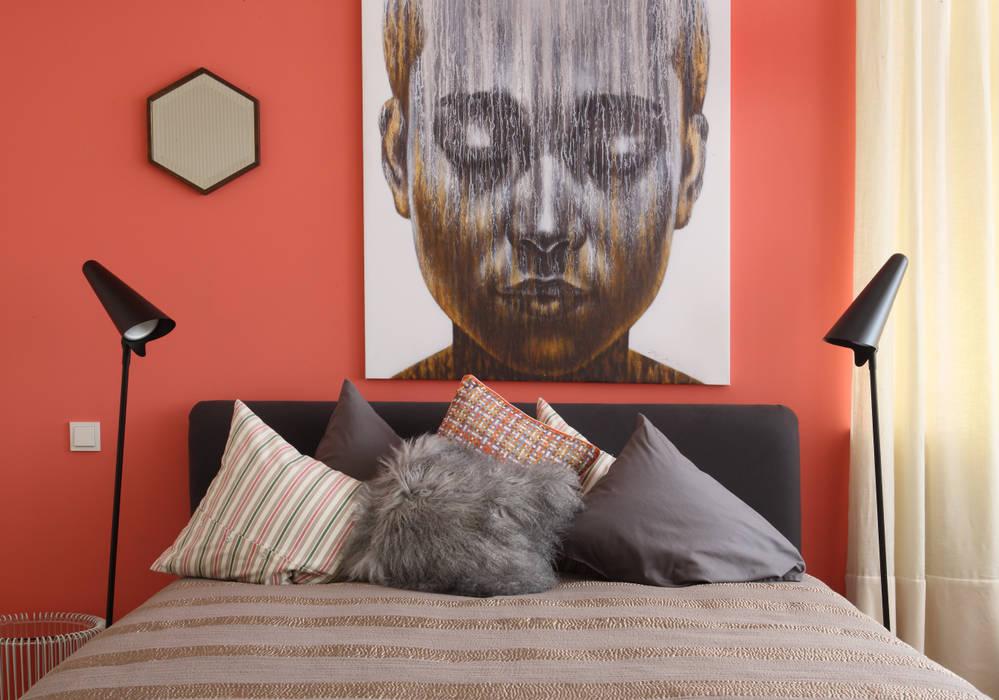Загородный дом, Новая Рига Roberts Design Спальня в эклектичном стиле