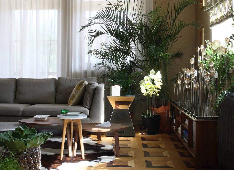 Загородный дом, Новая Рига Рабочий кабинет в эклектичном стиле от Roberts Design Эклектичный