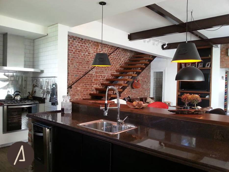 COZINHA | JANTAR | ESTAR Cozinhas industriais por América Arquitetura Industrial