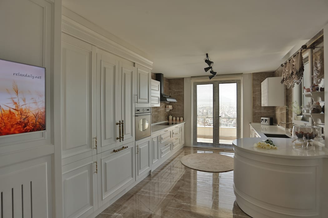 Classic style kitchen by PS MİMARLIK Classic