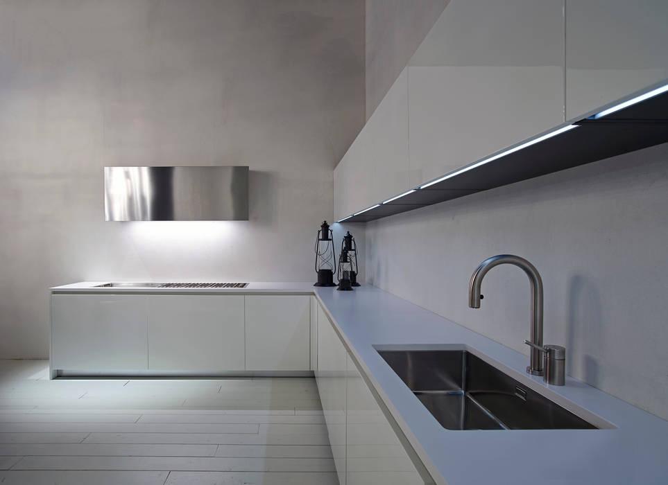 Line: cucina in stile di ri.fra mobili s.r.l., minimalista ...