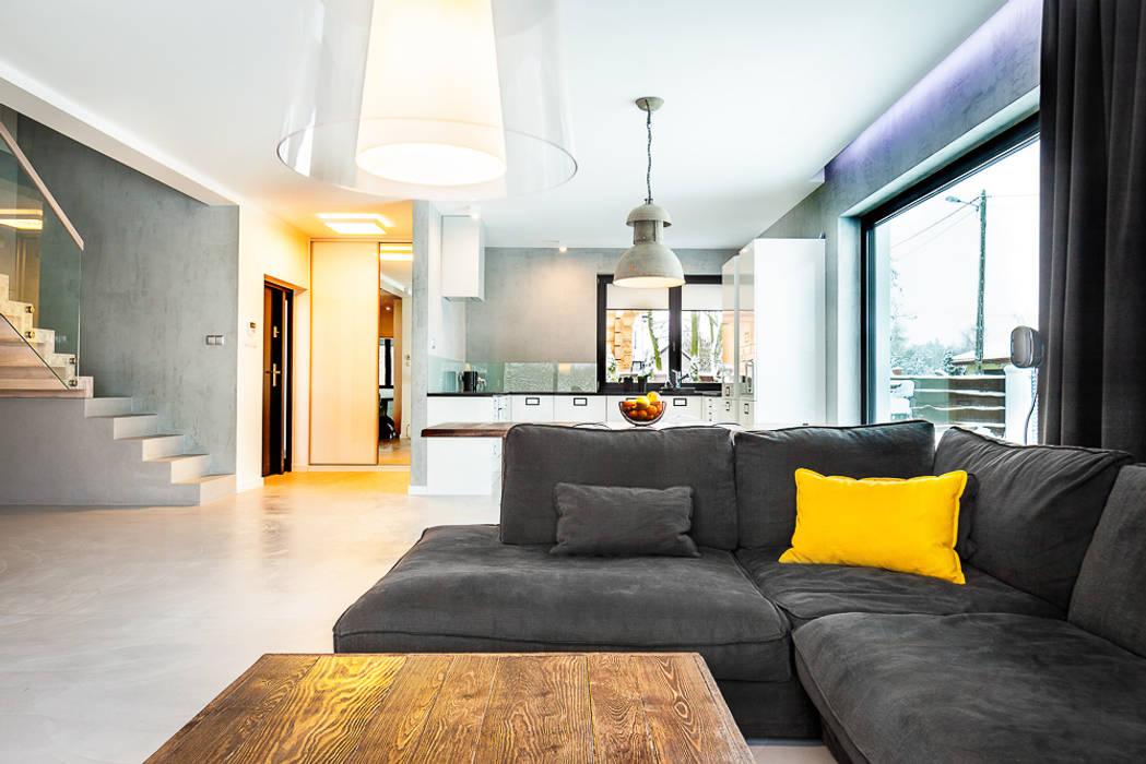 Dom z miętą: styl , w kategorii Salon zaprojektowany przez COCO Pracownia projektowania wnętrz
