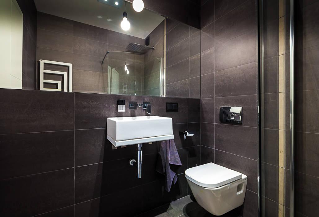 Dom z miętą COCO Pracownia projektowania wnętrz Minimalistyczna łazienka