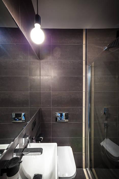 Dom z miętą: styl , w kategorii Łazienka zaprojektowany przez COCO Pracownia projektowania wnętrz
