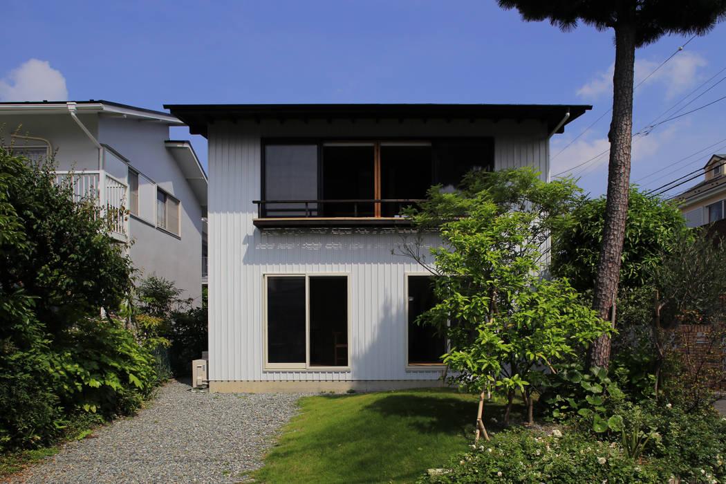 Дома в . Автор – 早田雄次郎建築設計事務所/Yujiro Hayata Architect & Associates, Эклектичный Железо / Сталь