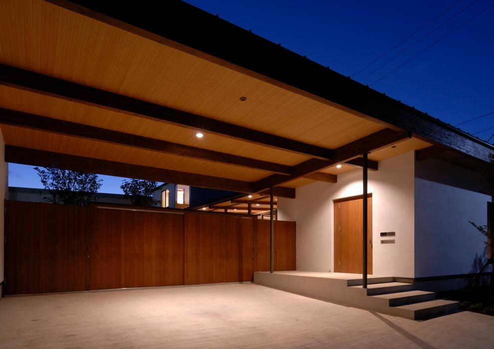 Garasi oleh 井上洋介建築研究所, Modern