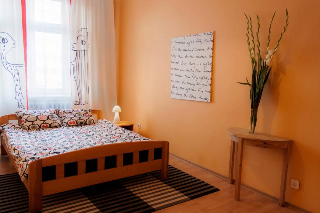 Eclectic style bedroom by Studio projektowe SUZUME Eclectic