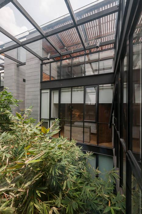Faci Leboreiro Arquitectura:  tarz Pencere, Modern