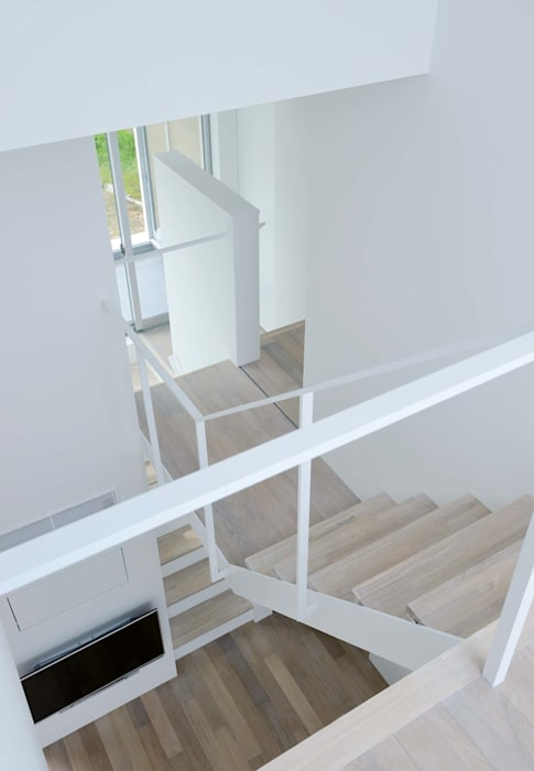 永楽荘の家 - House of Eirakusou モダンスタイルの 玄関&廊下&階段 の 林泰介建築研究所 モダン