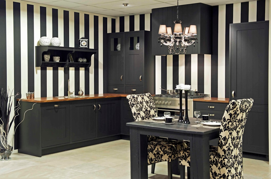 Colonial style kitchen by DB KeukenGroep Colonial
