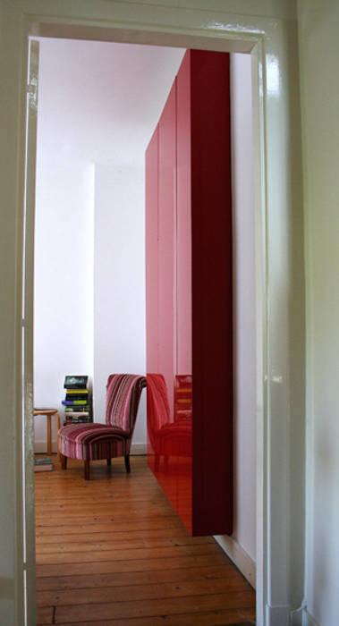 Interial Parasites Moderne slaapkamers van Diederik Schneemann Modern