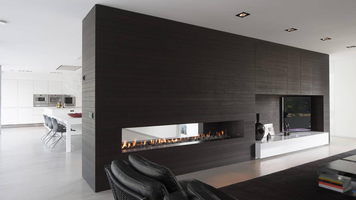 Eigentijdse bungalow: moderne wijnkelder door lab32 architecten homify