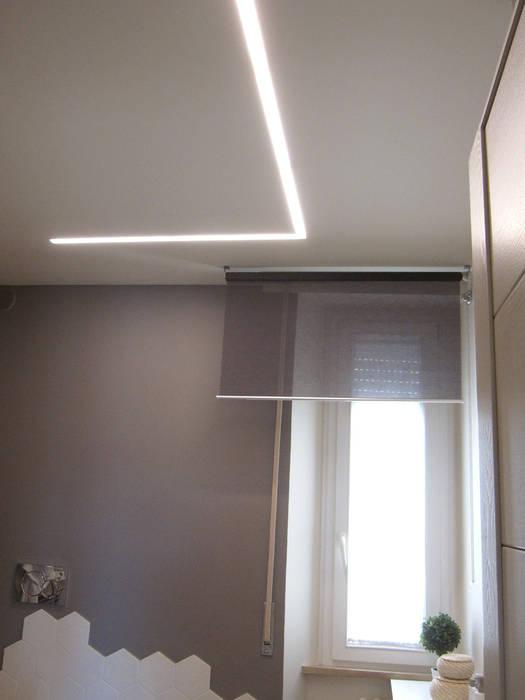 illuminazione bagno di Laura Canonico Architetto Moderno