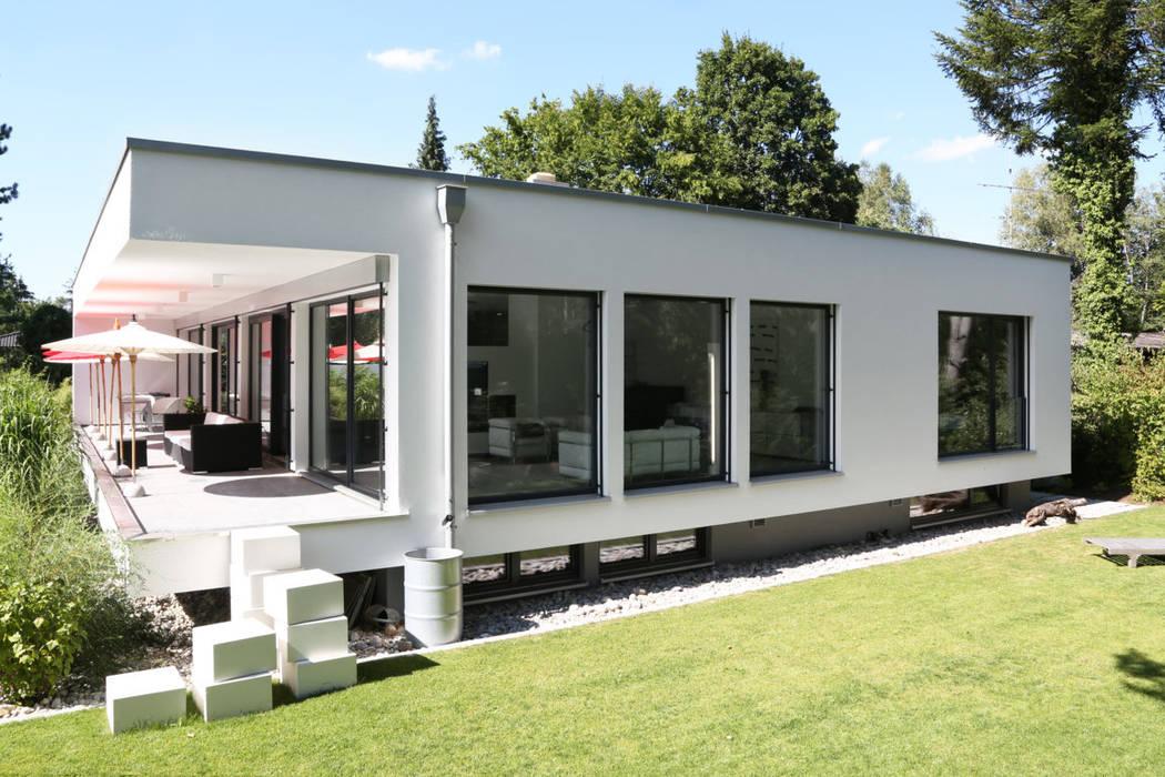 Bauhaus Villa in München 2P-raum® Architekten Minimalistische Häuser