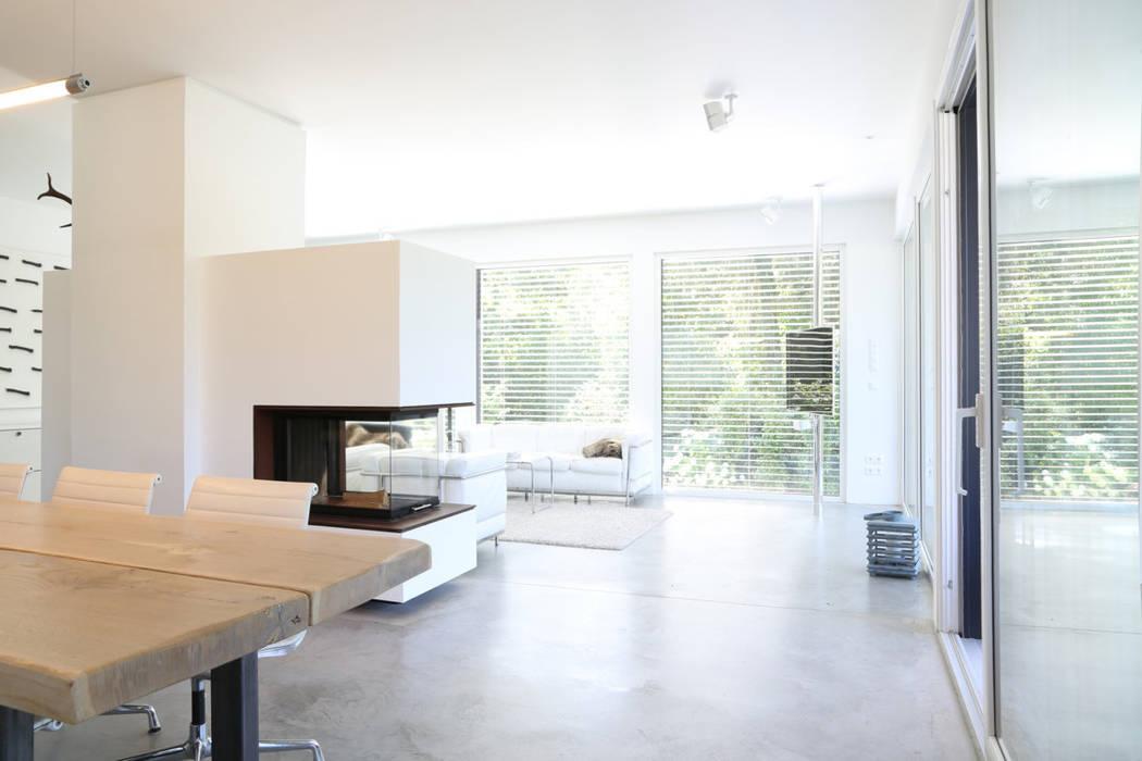 Bauhaus Wohnen offenes wohnen _ bauhaus villa in münchen: wohnzimmer von 2p-raum