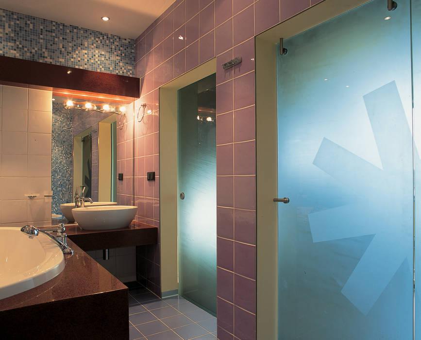 Ванная комната подростка Ванная комната в стиле минимализм от (DZ)M Интеллектуальный Дизайн Минимализм