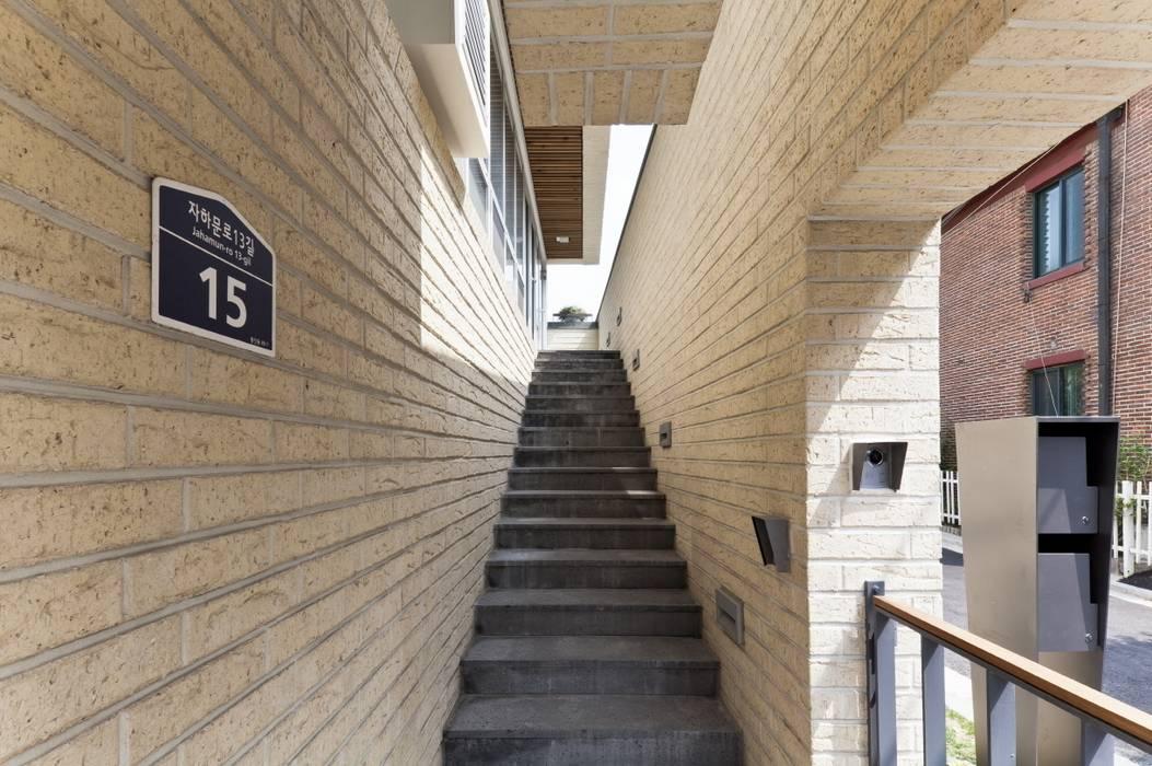 Houses by 제이에이치와이 건축사사무소