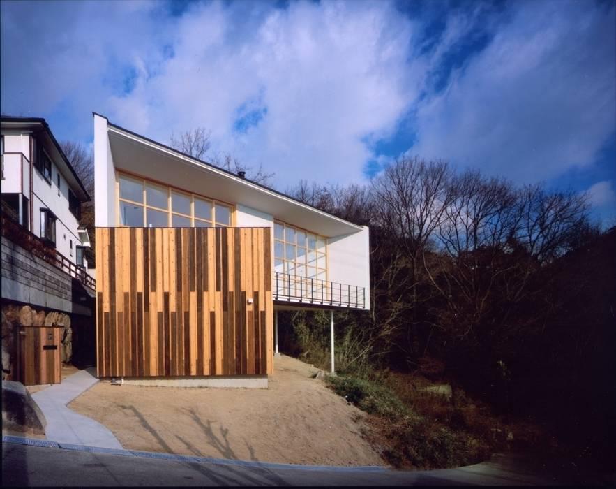 目神山の家 - House of Megamiyama ラスティックな 家 の 林泰介建築研究所 ラスティック