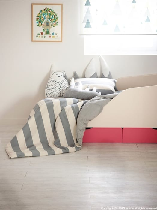 ​DOUBLE LINE BEDDING: jumine의  침실