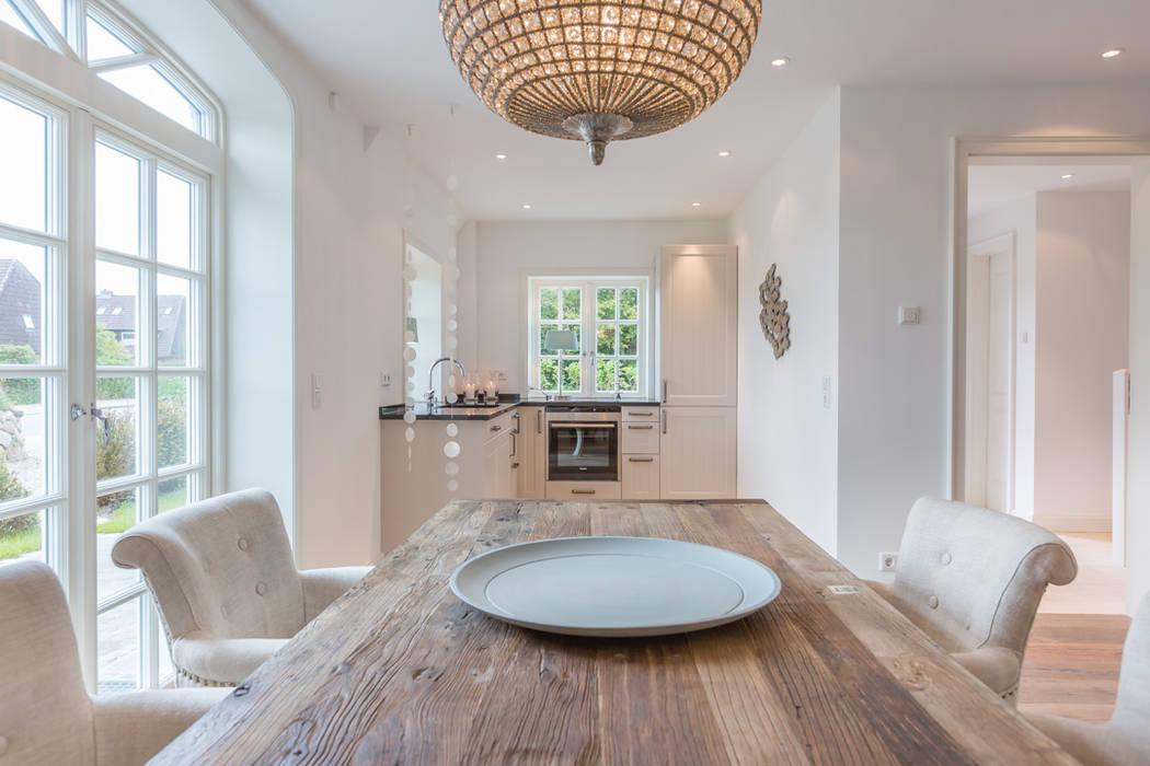 Home Staging Reetdachhaus auf Sylt Immofoto-Sylt Esszimmer im Landhausstil