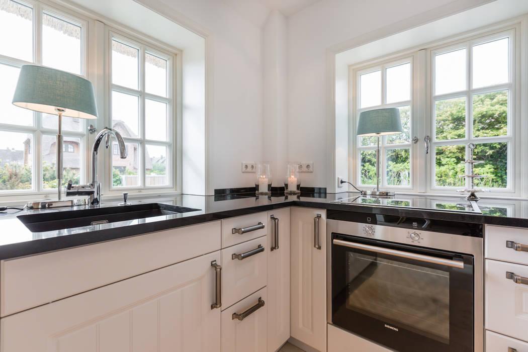 Home Staging Reetdachhaus auf Sylt Immofoto-Sylt Landhaus Küchen