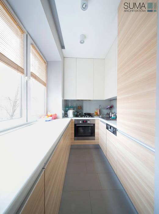 FAMILY_ONE Nowoczesna kuchnia od SUMA Architektów Nowoczesny