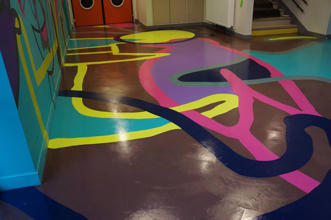 ECOLE EN REGION PARISIENNE: Ecoles de style  par ARTS BETON DESIGN - Créateur de béton haute couture