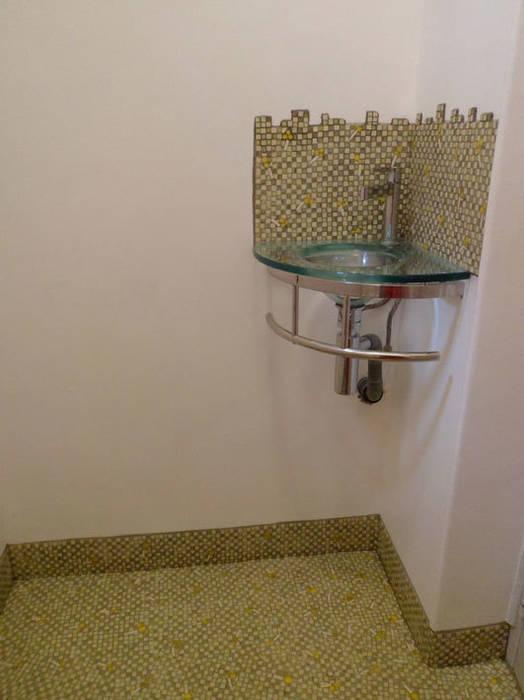 Soufle de mimosa: Salle de bains de style  par Lechevallier stephanie